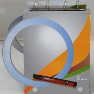 Mechanizm ringowy mocowany na grzbiecie prezentera